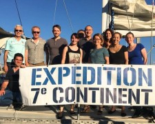 16.06.08 - Cordouan Technologies' team on the Expedition 7è Continent's boat